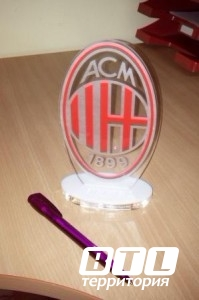 Логотип футбольного клуба с лазерной резкой оргстекла